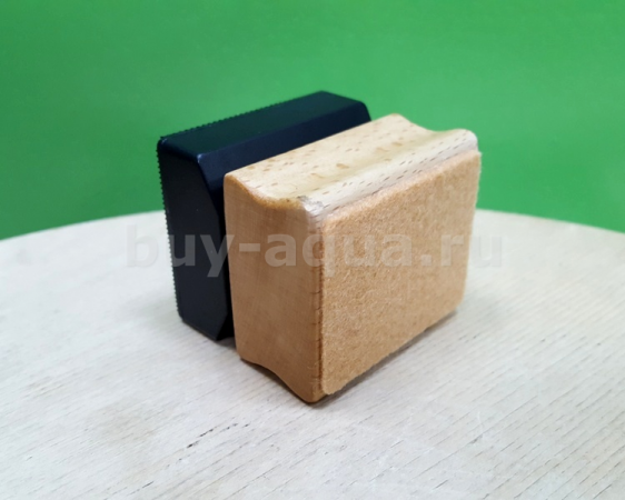 Скребок Magnet Chihiros wood